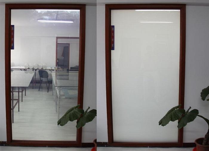 حالت کدر و شفاف برای شیشه الکتروکرومیک که با زدن یک کلید تغییر می کند